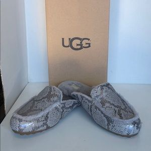 💝New Ugg Lane Silver Metallic Snake mule sz 8